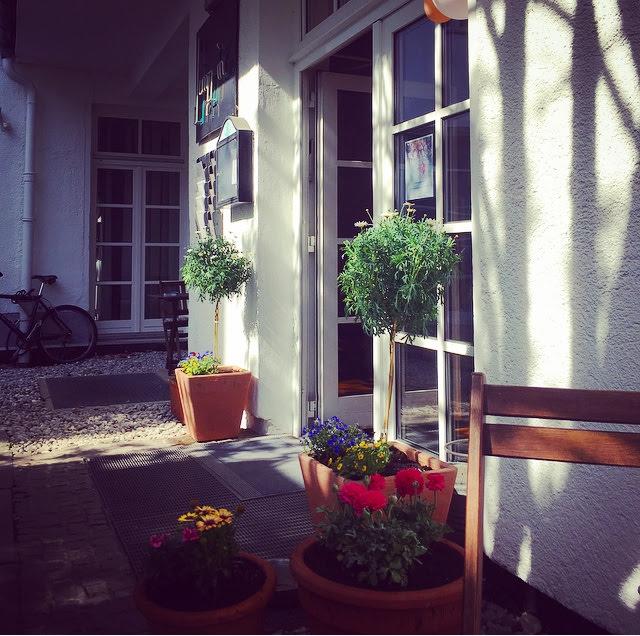 Eingang Garten, Jump in Tanzschule, Tanzstudio München